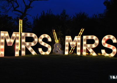 giant-light-up-mrs-mrs-wedding-letters-for-hire-vowed-amazed