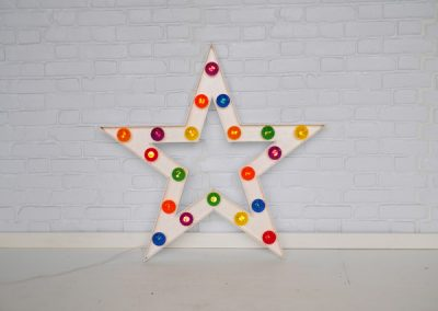 light-up-stars-props-for-hire-vowed-amazed-1