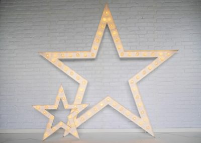 light-up-stars-props-for-hire-vowed-amazed-5
