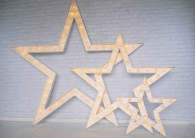 light-up-stars-props-for-hire-vowed-amazed-6
