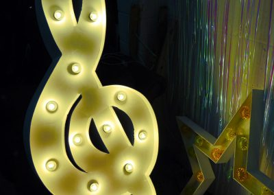 light-up-treble-clef-hire-vowed-amazed-3