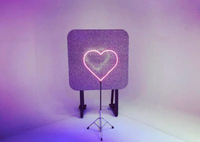 neon-heart-glitter-wall-backdrop-prop-hire-vowed-amazed-2