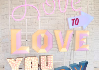 Detail Love to Love Neon Hire