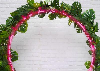 Neon hoop tropical leaves detail 3